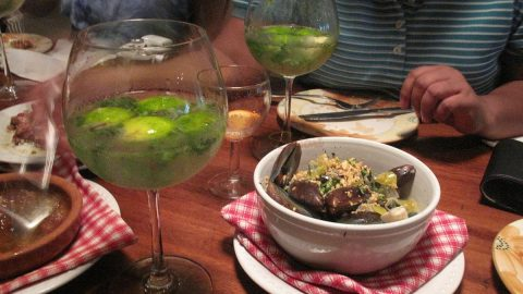 Mojito and mussels at Dos Mestizos, Boracay