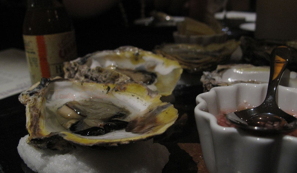 Oysters on the half shell at Rojos, Boracay