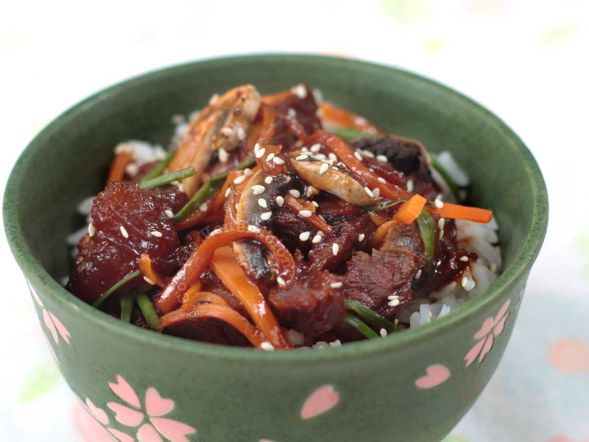 Mongolian beef barbecue sprinkled with sesame seeds