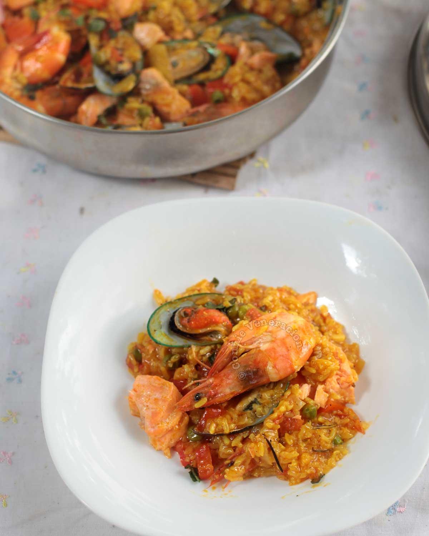 A serving of Seafood Arroz a la Valenciana (Filipino-style Paella)