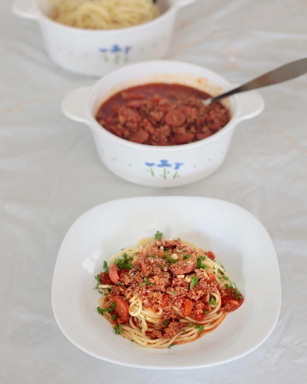 Filipino sweet spagetti