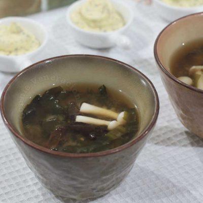 Wood ears and shimeji miso soup