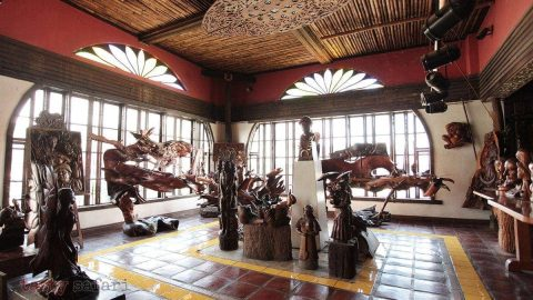 At Balaw-balaw, a museum of wood sculptures
