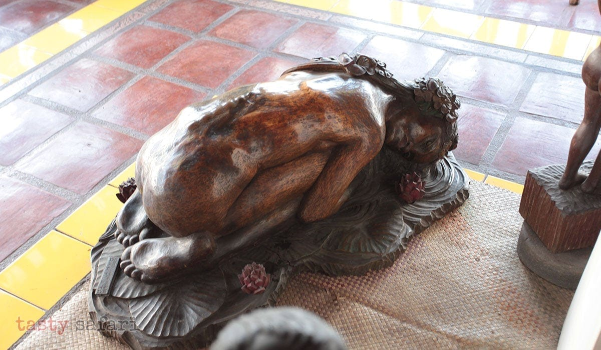 A sculpture of a woman bent in agony or pain, or both, at the Balaw-balaw Museum