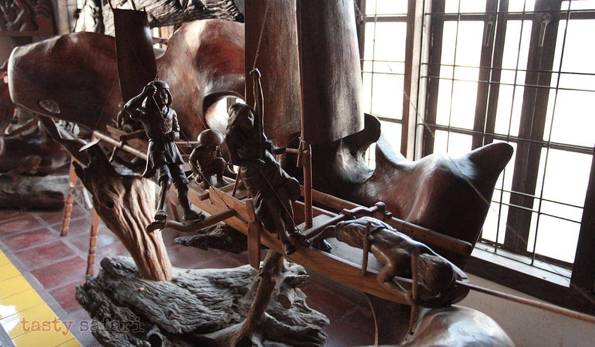 A sculpture of a boat and its crew at the Balaw-balaw Museum
