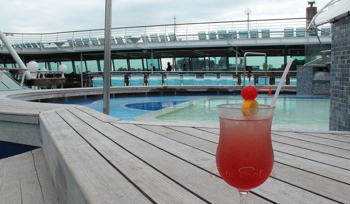 Dining Aboard A Cruise Ship: What It's Really Like