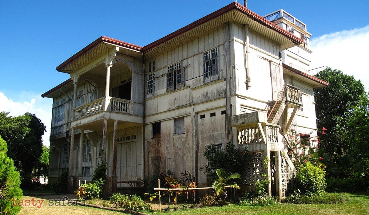 The Gaston Mansion is the ancestral house of Hacienda Rosalia in the municipality of Manapla.