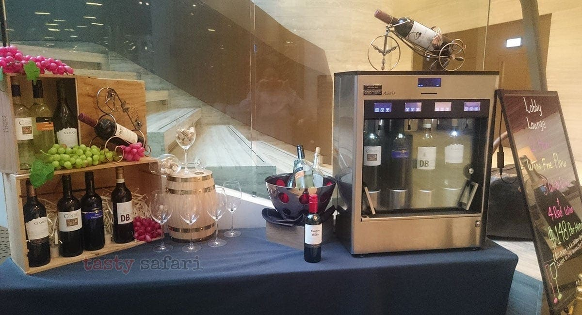 Free flowing wine at the Lobby Lounge of Crowne Plaza Hotel, Kowloon