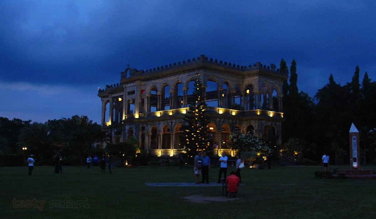 Night falls on The Ruins, Talisay City, Negros Occidental