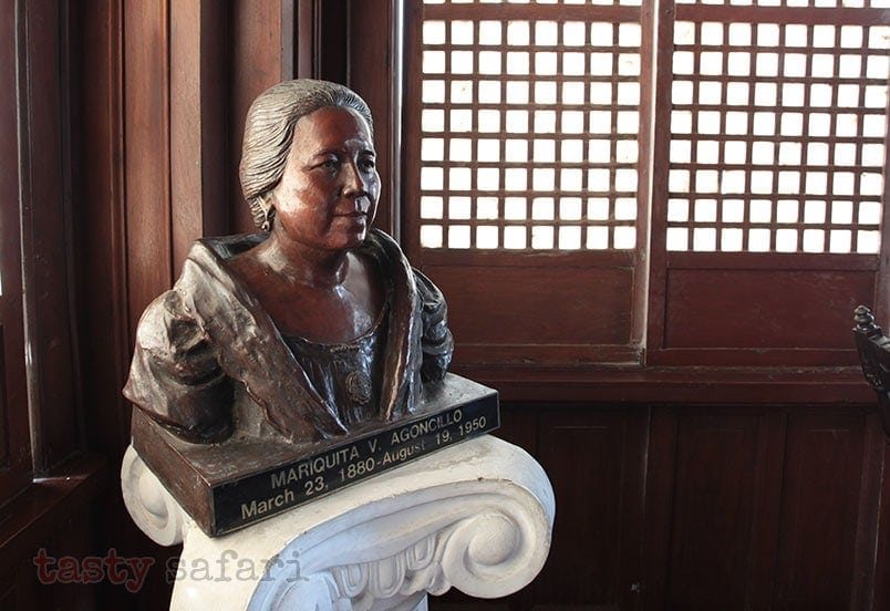 Bust of Mariquita Agoncillo, wife of Gregorio Agoncillo