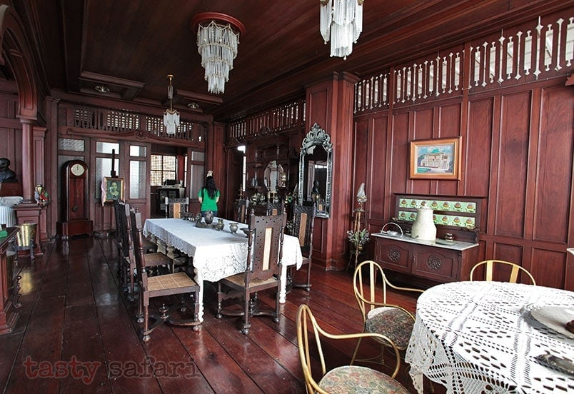 Decorative slats on walls separating rooms: house of Gregorio Agoncillo in Taal, Batangas