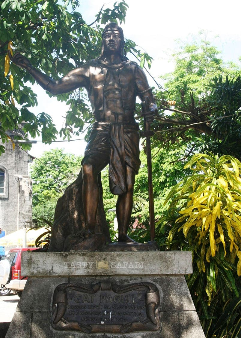 Statue of Gat Paguil at the town plaza, Pangil, Laguna