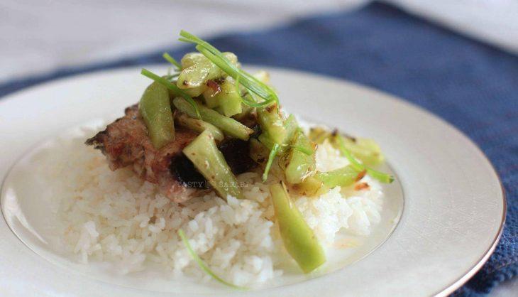 Makopa (Mountain Apple) Salad With Herbed Hibiscus Vinaigrette