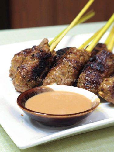 How to Cook Grilled Pork in Lemongrass Skewers in 4 Easy Steps