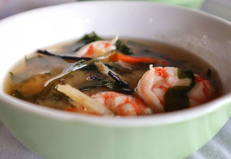 Easy and delicious shrimp miso soup