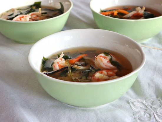 10-minute shrimp miso soup