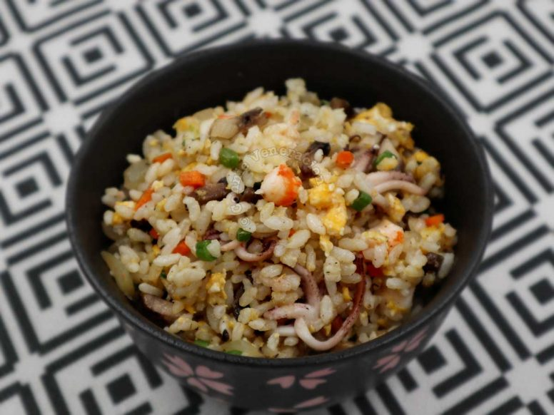 Shrimp and squid fried rice with Japanese seasonings