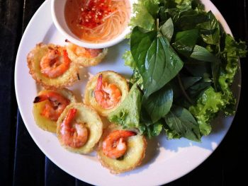 Banh khot, small savory pancaked in Vietnam