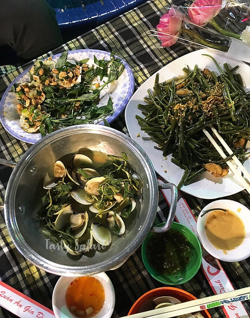 Saigon street food tour: scallops, clams and morning glory