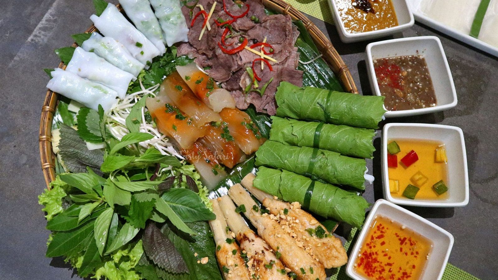 Freshness and balance. The two words that perfectly describe Vietnamese cooking. The flavors are salty, sour, sweet and spicy. The ingredients are fresh seafood, meat, vegetables and herbs. Delectable and tantalizing. Even the drinks are unforgettable!