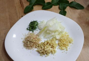Onion, garlic, ginger, lemongrass and kaffir lime leaves
