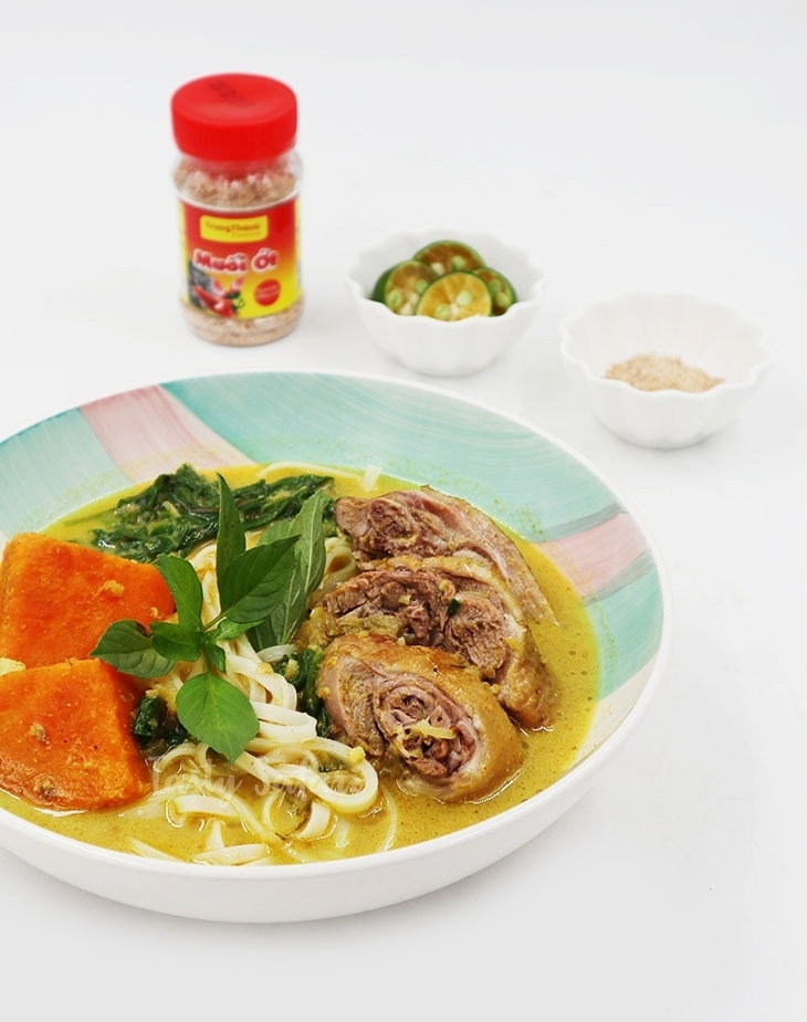 How to Cook Duck Curry Noodle Soup