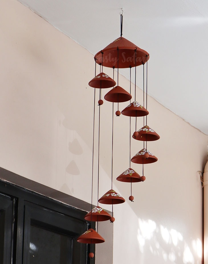 Conical hat wind chimes