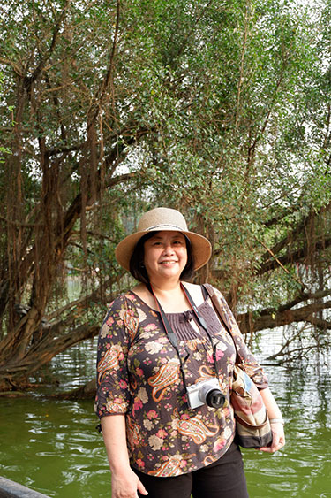 Connie Veneracion, Hoan Kiem Lake, Hanoi