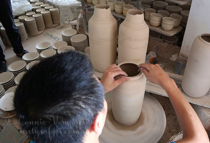 Making pottery by hand