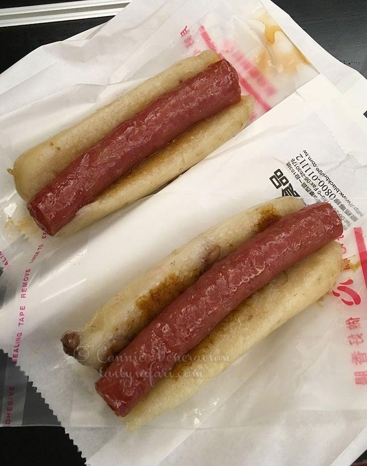 """Taiwan sausage in glutinous rice """"bun"""""""