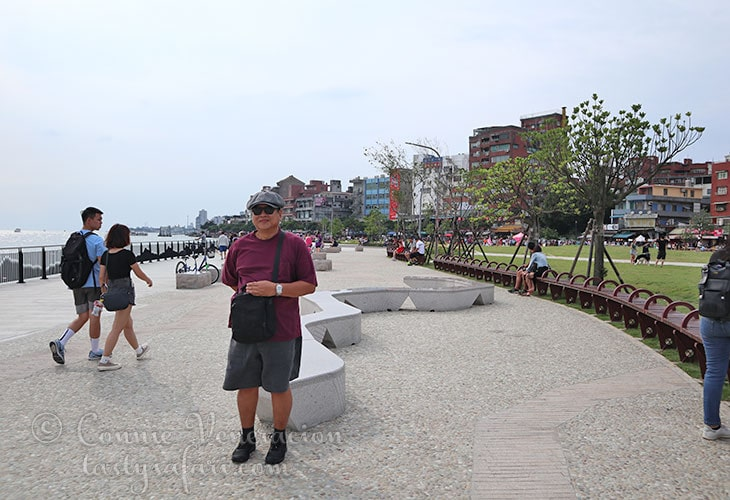 Speedy at the Tamsui waterfront