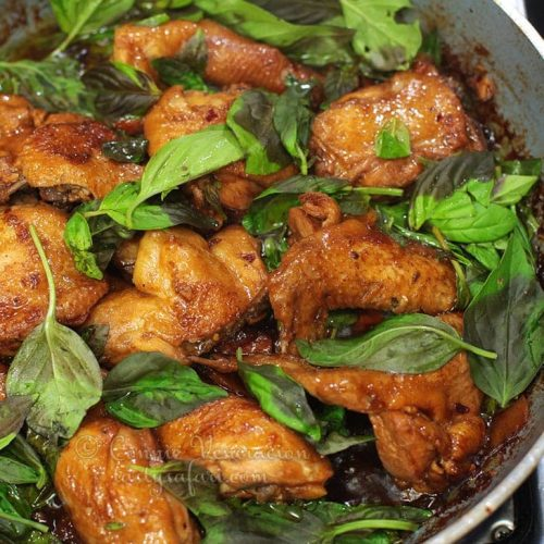 How to Cook Sanbeiji (Taiwanese Three-Cup Chicken)