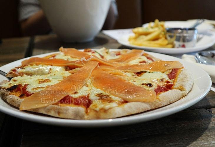 Smoked salmon and zucchini pizza, Trattoria Tomato, Hanoi