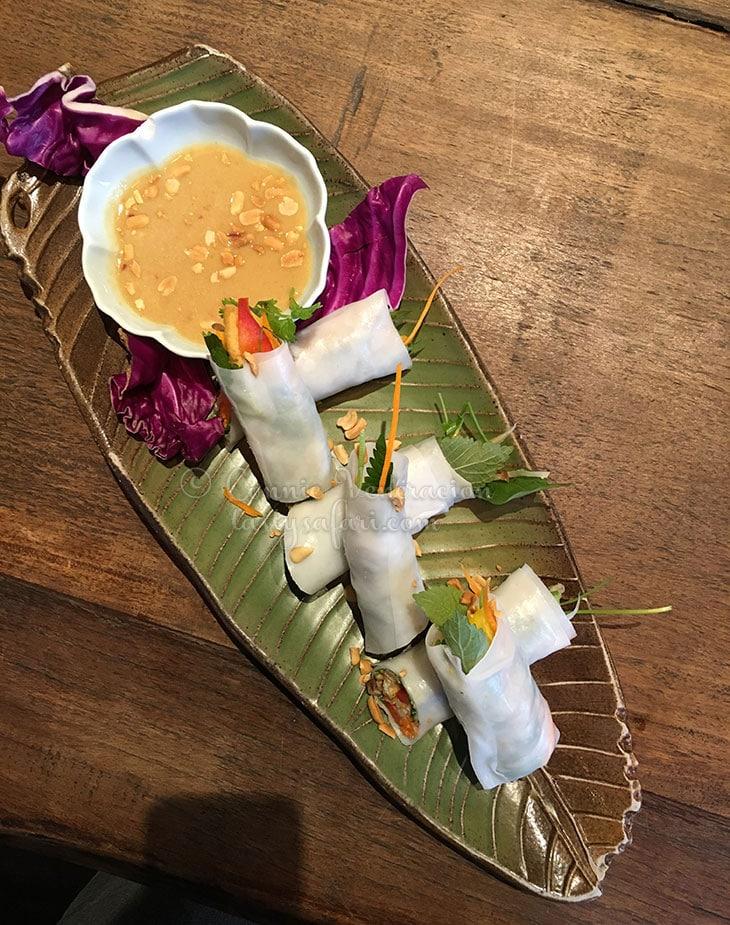 Vegan spring rolls at Uu Dam Chay, Hanoi