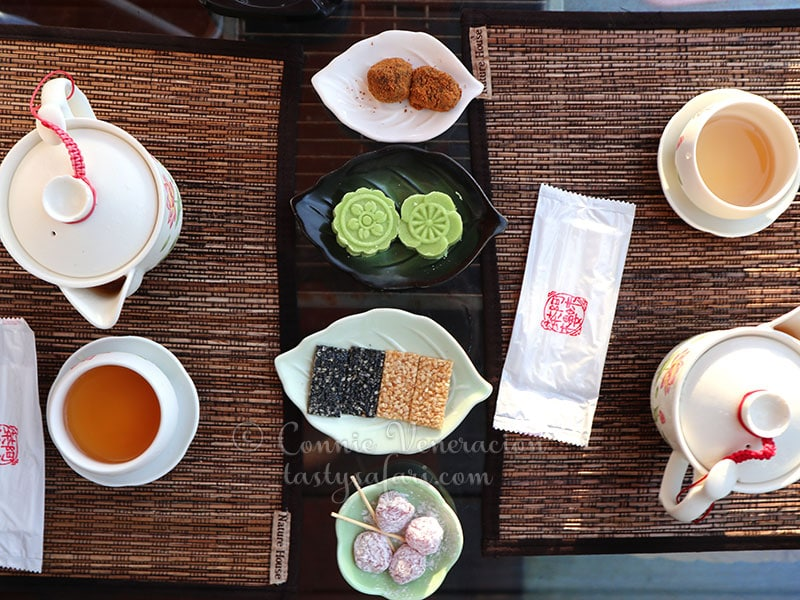 Tea and cakes at Amei Tea House, Jiufen