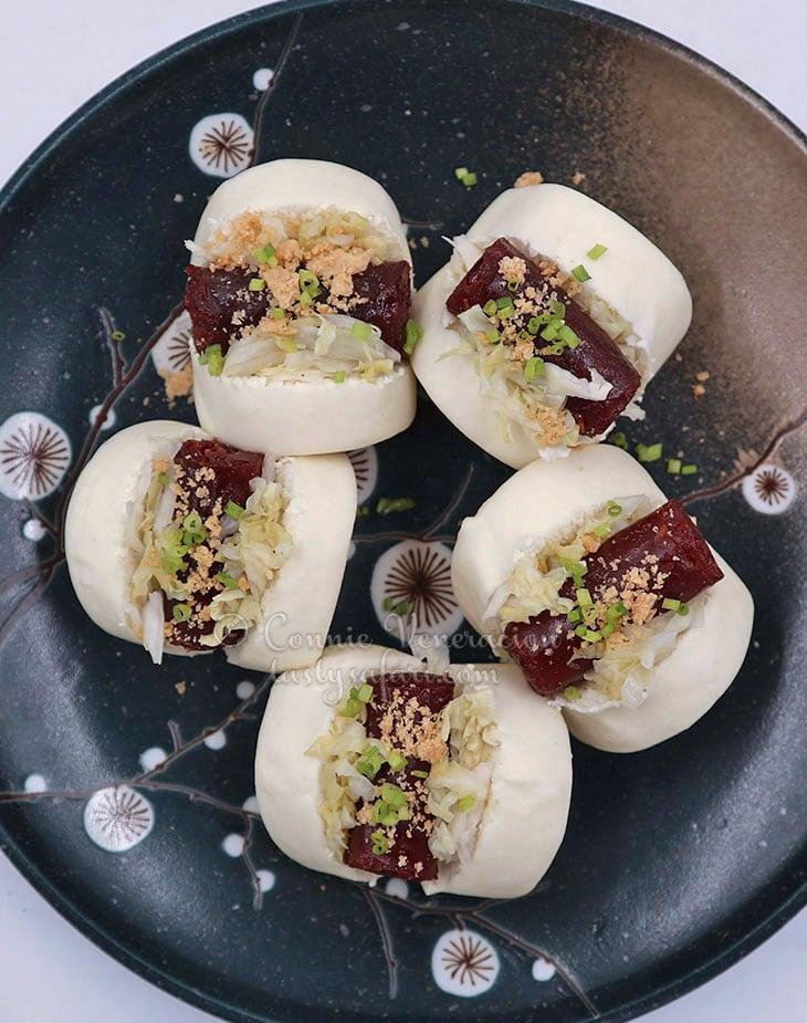 Taiwanese Pork Sausage Buns Recipe