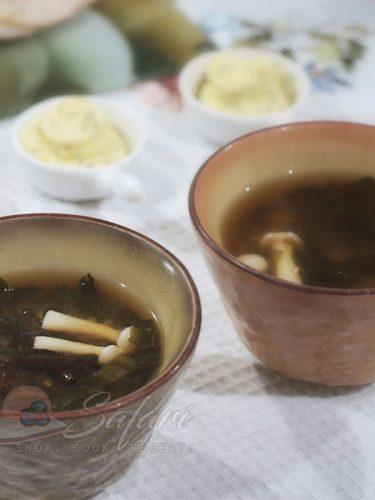 Wood Ears and Shimeji Mushrooms Miso Soup Recipe