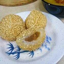 Sesame seed balls, Wai ying Fastfood, Chinatown, Manila