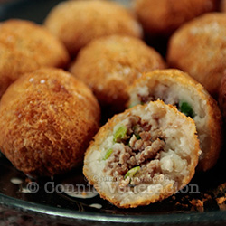 Wu gok (taro puffs)