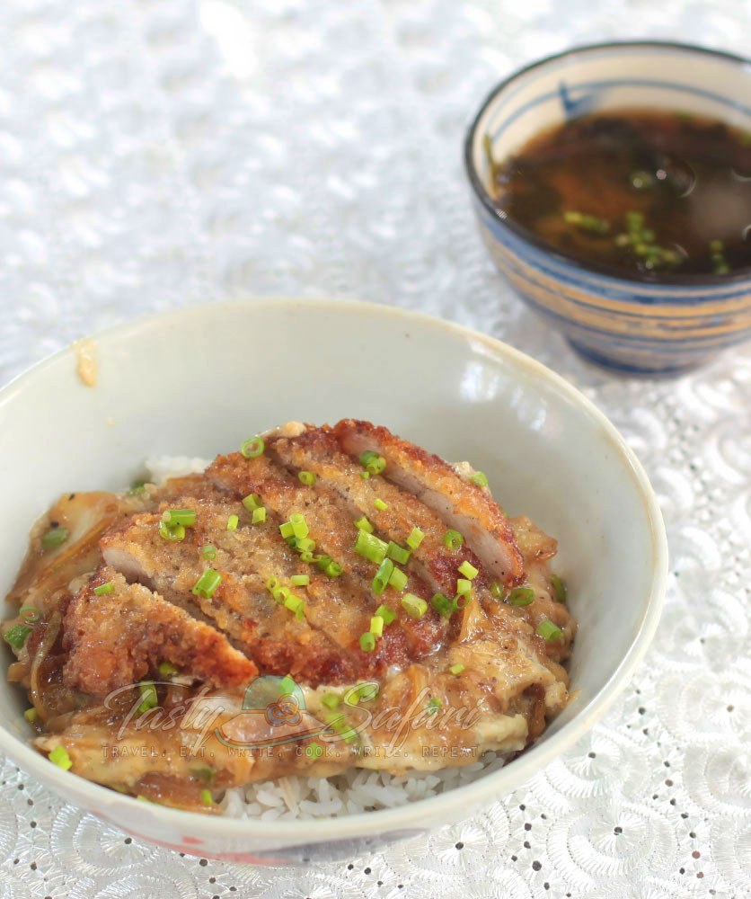 How to Cook Katsudon (Japanese Fried Pork Cutlet and Eggs Rice Bowl)