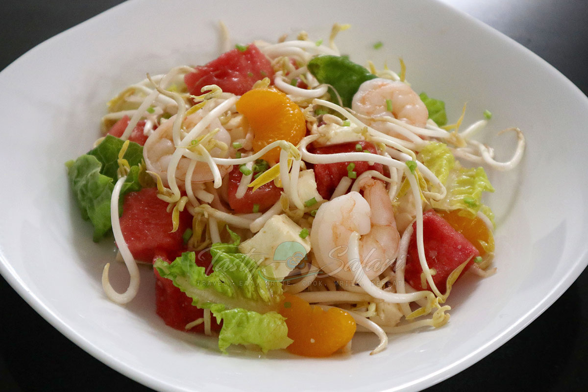 How to make Shrimp and watermelon salad with Vietnamese mixed fish sauce