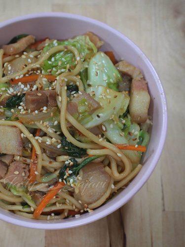 Yakisoba: Japanese Stir Fried Noodles Recipe