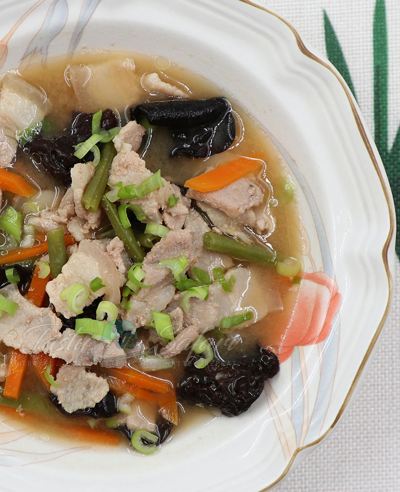 How to Cook Tonjiru (Butajiru): Pork Miso Soup