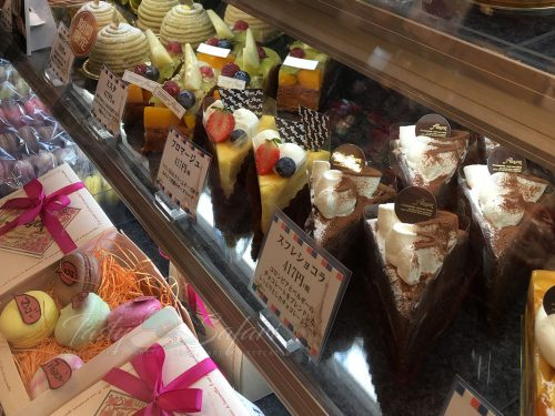 Cakes and pastries | Patisserie Alcyon | Osaka, Japan