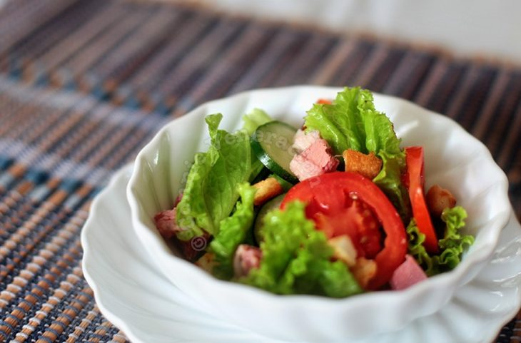 Corned Beef and Vegetables Salad With Mango Dressing
