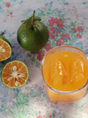 Fresh dalanghita (mandarin orange) juice