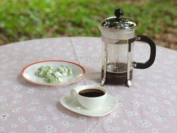 Coffee prepared with a French press