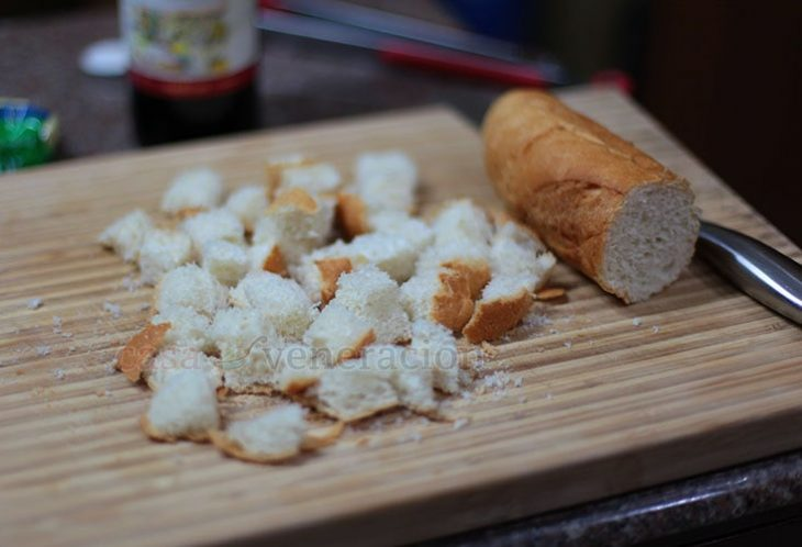 Making croutons with stale bread