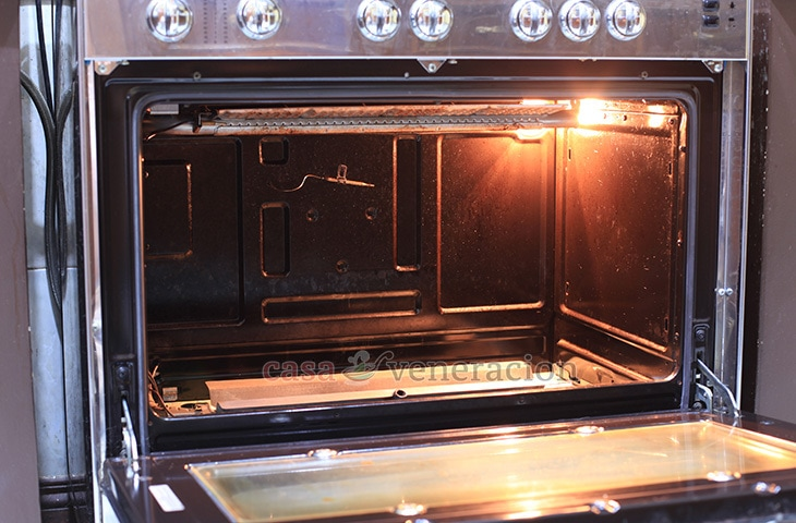 Removing movable parts of oven for cleaning