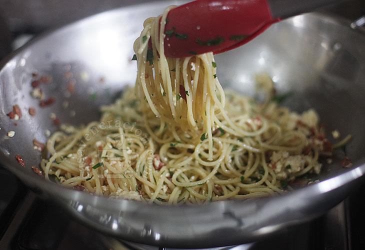 Spaghetti with ricoota and bacon